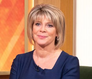 Ruth Langsford wears 22 kr blus in this season's most trendy print