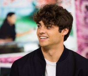 Noah Centineo wearing blue eye shadow – see pictures
