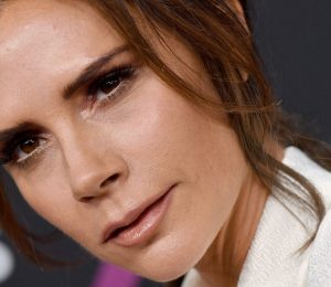 Victoria Beckham Gets Haircut A Route to People's Choice Awards 2018