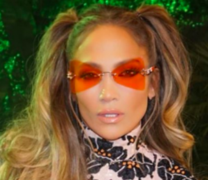 Jennifer Lopez is wearing long spikes