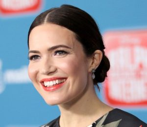 Mandy Moore Addresses Plastic Surgery Rumors In The Best Way