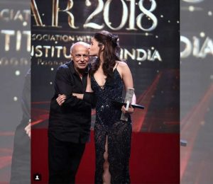 This picture of Mahesh Bhatt and Alia Bhatt who shares a sweet moment is invaluable