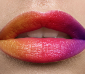 Make-up sharing: cheap lip balm recommended super moisturizing gelatin lip gel