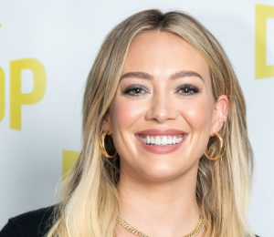 Hilary Duff debuts Bright Blue Hair on Instagram – View photos